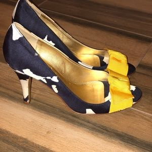 J CREW Liza Navy/white pumps with Yelllow bow